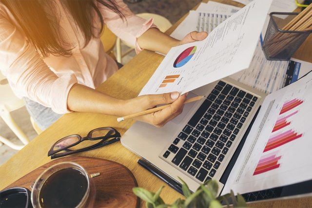広告配信と効果測定